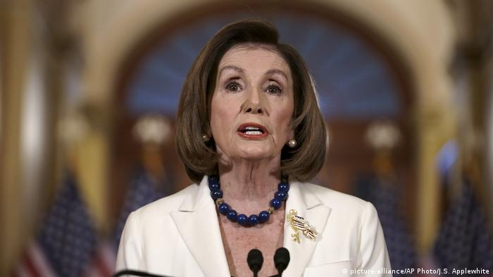 USA Nancy Pelosi zu Impeachmentverfahren (picture-alliance/AP Photo/J.S. Applewhite)