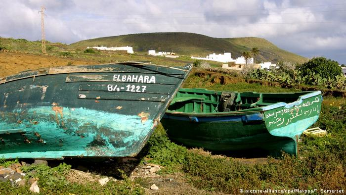 Spanien Lanzarote | Friedhof für Pateras-Boote (picture-alliance/dpa/Maxppp/T. Somerset)