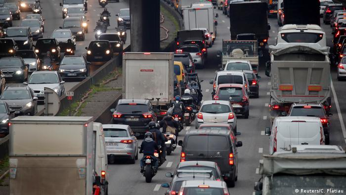 Rush hour traffic fills the ring road in Paris