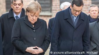 Angela Merkel à Auschwitz: l'Allemagne ne pourra jamais oublier.