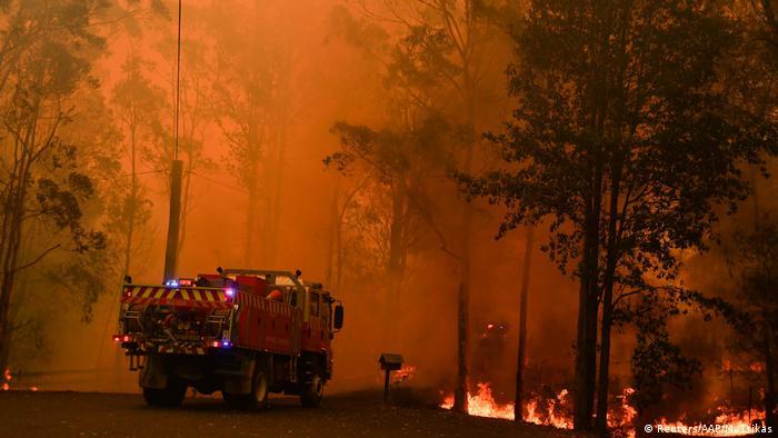 A fire engine at a bushfire in Werombi