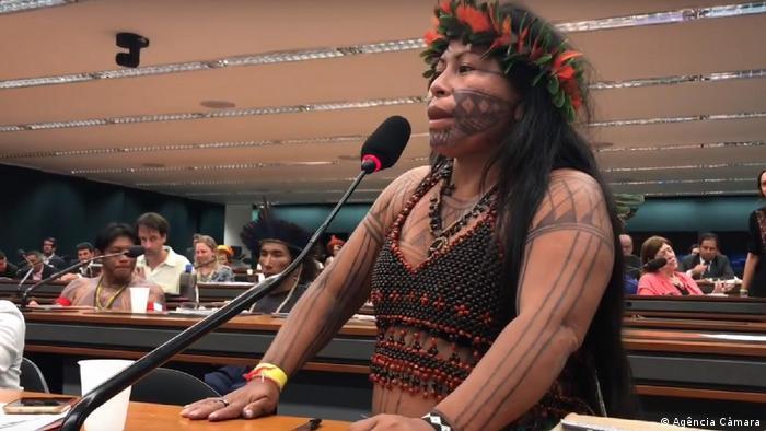 Alessandra Munduruku: Estou muito feliz e vou comemorar com meu povo