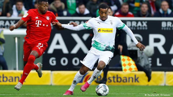 Bayern Munich's David Alaba and Borussia Mönchengladbach's Alassane Plea (Reuters/R. Orlowski )