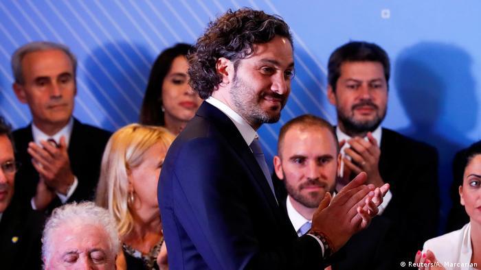 Politólogo por la Universidad de Buenos Aires (UBA), Cafiero, de 40 años y tercera generación de estirpe política, es la mano derecha de Fernández.