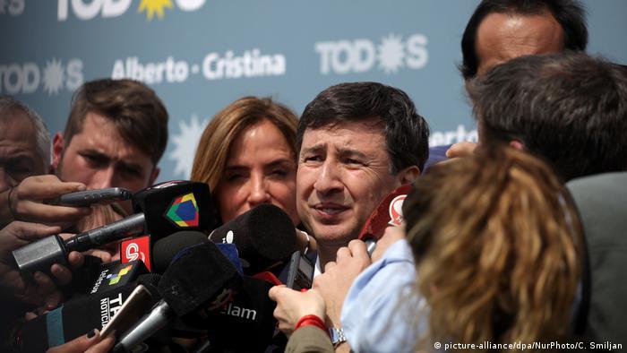 Se lo considera un especialista en el área. Fue viceministro de Alicia Kirchner y ministro de Desarrollo Social bonaerense en 2007.