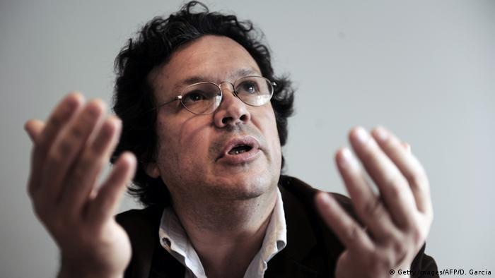 En 2006 ganó los prestigiosos Premios Goya por Iluminados por el fuego, por ser la mejor película extranjera.
