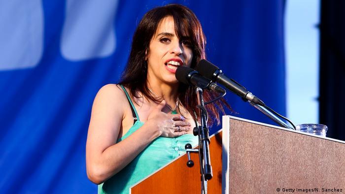 Donda es abogada egresada de la Facultad de Derecho de la Universidad de Buenos Aires y diputada nacional.