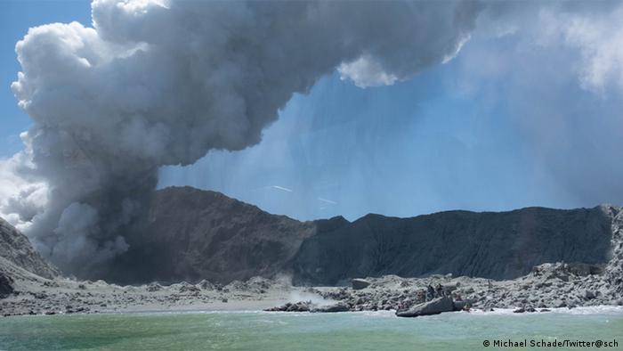 Neuseeland Vulkanausbruch Whakaari, White Island (Michael Schade/Twitter@sch)