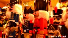 Nutcracker figures at a Berlin Christmas market (DW/S. Bartlick )