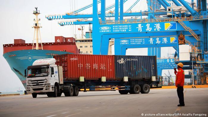 Handelsstreit zwischen USA und China | Hafen in Qingdao