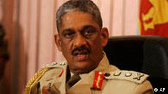 Portrait Sarath Fonseka in Uniform (Foto: AP)