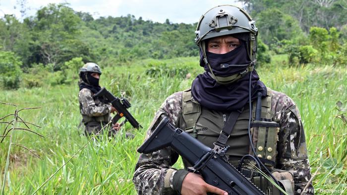 Foto de militares peruanos