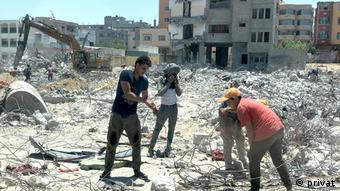 «Θυμάμαι ότι μετά τον έλεγχο διαβατηρίων μπήκαμε στη Γάζα και είδα βομβαρδισμένα κτήρια στα περίχωρα της πόλης»