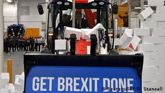 UK Wahlen l Wahlkampfveranstaltung bei der JCB Baufirma - Boris Johnson (Reuters/AFP/B. Stansall)