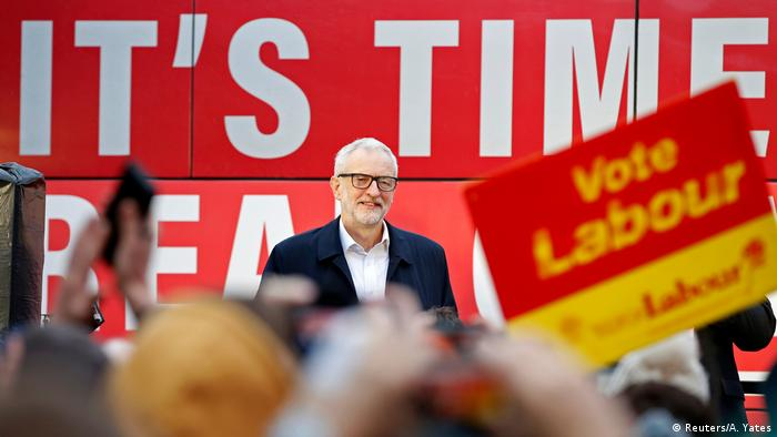 UK Wahlen l Labour Party - Jeremy Corbyn in Nelson (Reuters/A. Yates)
