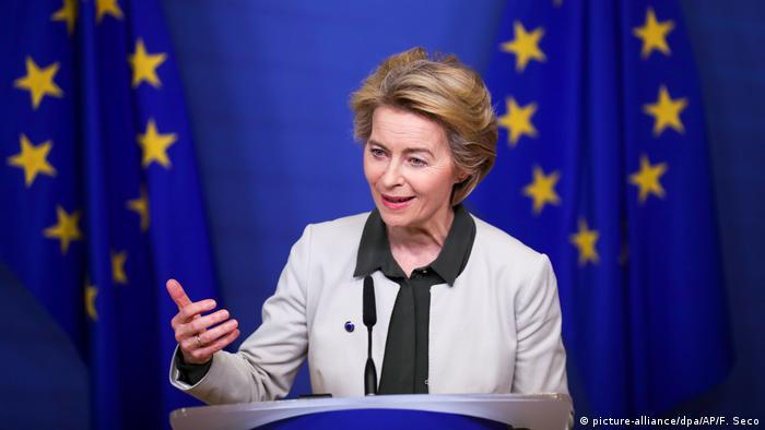 Belgien Brüssel | EU-Kommission und EU-Parlament zu dem «Green Deal» - Ursula von der Leyen (picture-alliance/dpa/AP/F. Seco)
