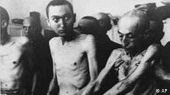 Two prisoners at Auschwitz concentration camp