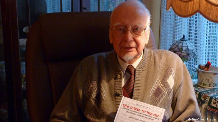 Винголф Шерер - един от последните живи свидетели и участник в Арденската офанзива - със своята книга Последната битка