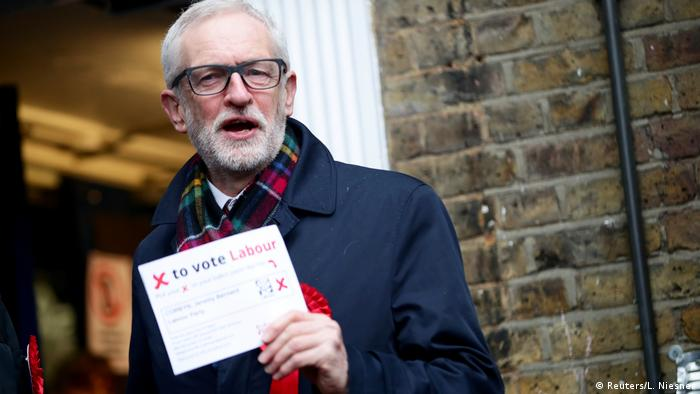 UK Wahlen 2019 l Labour Party, Jeremy Corbyn vor der Wahlstation in London
