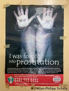 A poster against human trafficking in Nigeria (DW/Jan-Philipp Scholz)