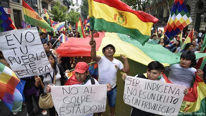 Argentina: Pro-Morales Demonstration