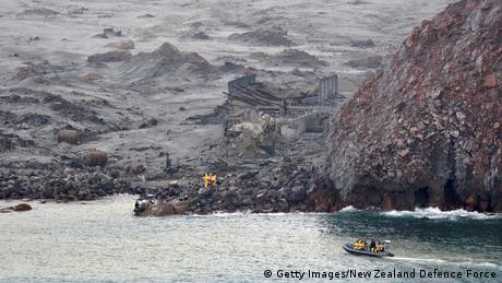 BdTD Neuseeland White Island Rettungskräfte bergen Opfer (Getty Images/New Zealand Defence Force)