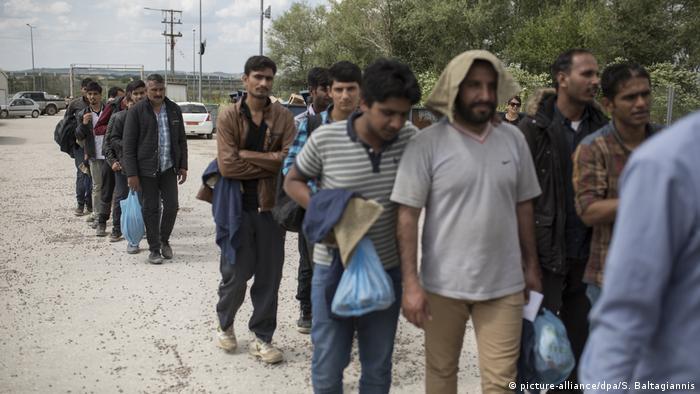 Беженцы на границе Греции и Турции (фото из архива)