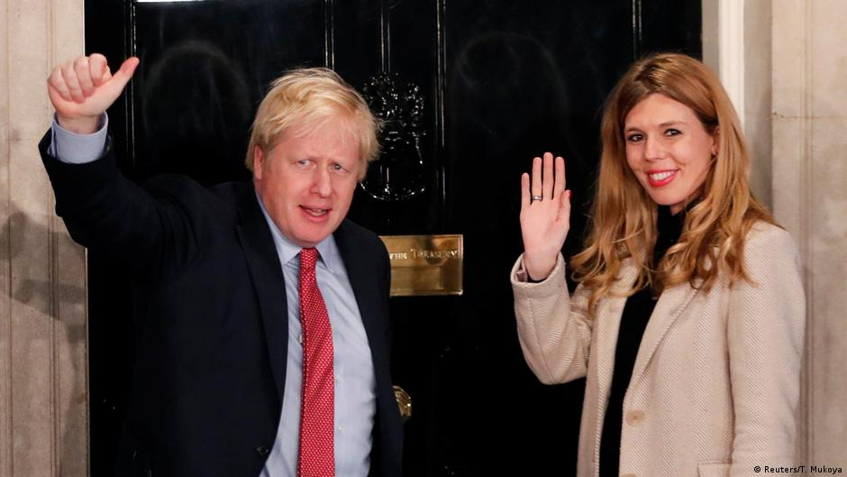 Boris Johnson vence por ampla margem no Reino Unido