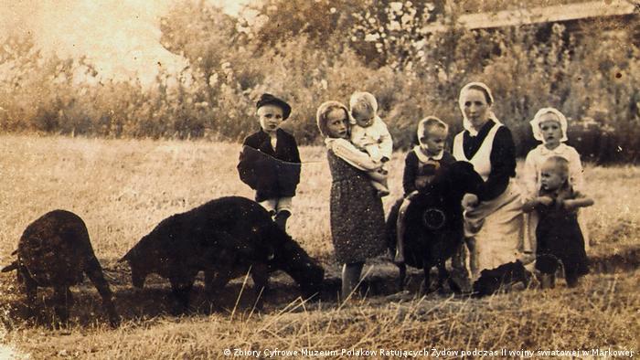 Projekts Schuld ohne Sühne | Familie Ulma. Wiktoria mit KIndern