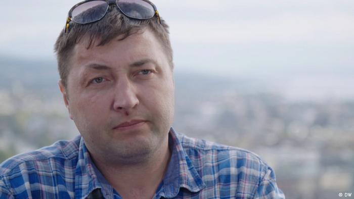 Юрий Гаравский называет себя бывшим бойцом СОБРа - специального отряда быстрого реагирования внутренних войск МВД Беларуси
