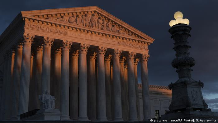 USA Washington Supreme Court (picture-alliance/AP Photo/J. S. Applewhite)