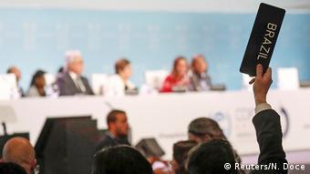 El representante de Brasil pide la palabra en el cierre de la COP25.