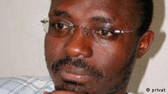 Rafael Marques, jornalista e ativista dos direitos humanos, publicou nos últimos anos artigos e livros sobre a corrupção em Angola, o livre arbítrio das autoridades e a impunidade dos políticos e militares fiéis ao presidente angolano
