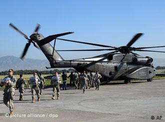 Američki vojnici na aerodoromu u Port-o-Prensu
