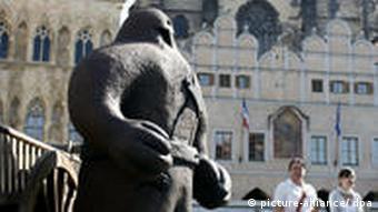 Прага. Статуя Голема в центре города - излюбленный мотив фотографов-любителей