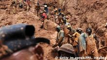 Demokratische Republik Kongo Goldmine in Chudja (Getty Images/AFP/L. Healing)