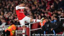 Fußball FC Arsenal vs Manchester City | Mesut Özil Auswechslung