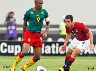 Samuel Eto'o playing for Cameroon against Egypt in January 2010