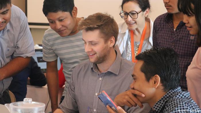 DW Akademie Faktencheck Workshop in Myanmar 2019 (DW/V. Silberg)