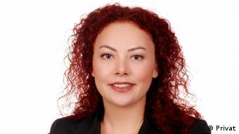 Avukat Mine Akarsu mevcut kanunun İstanbul Sözleşmesi ile uyumlu olmadığına dikkat çekiyor