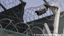 Griechenland, Lesbos - Internierungslager Moria - Symbolbild Gefängnis