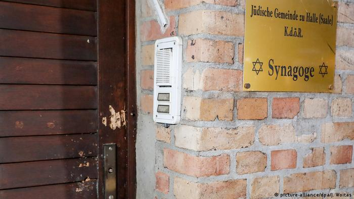 The door to the synagogue in Halle shows traces of the attack on Yom Kippur