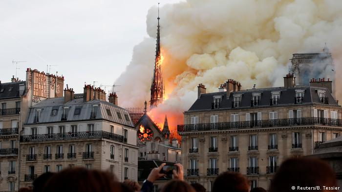 The collapse of the Notre-Dame spire