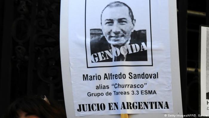 Familiares de la dictadura piden condena de Mario Sandoval