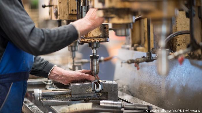 الصناعة الألمانية تحتاج إلى يد عاملة أجنبية ماهرة لسد النقص الحاصل حاليا