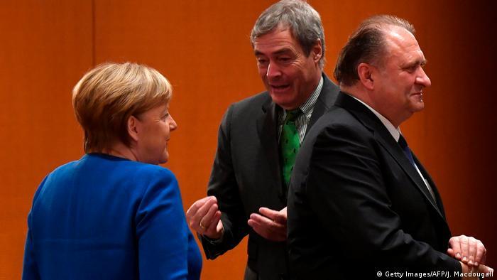Deutschland Berlin Fachkräfte Gipfel | Angela Merkel Ingo Kramer und Hans Peter Wollseifer
