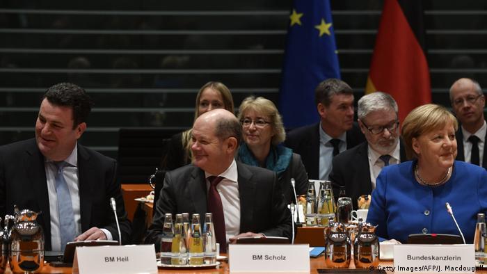 Deutschland Berlin Fachkräfte Gipfel | Hubertus Heil, Olaf Scholz und Angela Merkel