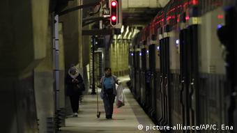 Frakreich: Streik in Paris (picture-alliance/AP/C. Ena)