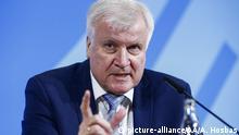 Berlin | Horst Seehofer während Pressekonferenz zu Maßnahmen gegen rechte Gewalt