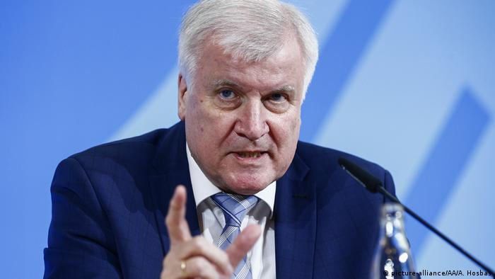 Ministrul federal de Interne Horst Seehofer (picture-alliance/AA/A. Hosbas)